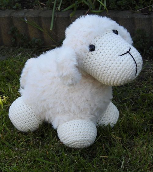 Haakpakket Funny Furry Sheep soft ivoor