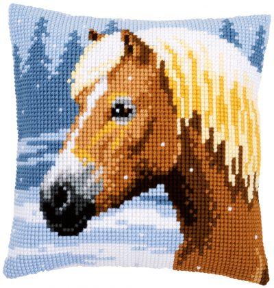 Kruissteekkussen Paard in de sneeuw