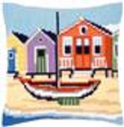 Kruissteekkussen met bootje en strandhuisjes